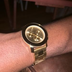 additional photos of watch for size - see original